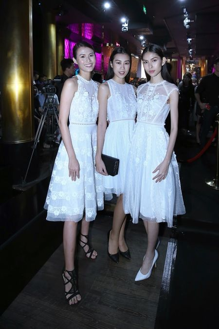 'Kate Moss' Viet hoi ngo Hoa hau cao nhat Viet Nam tai su kien - Anh 3