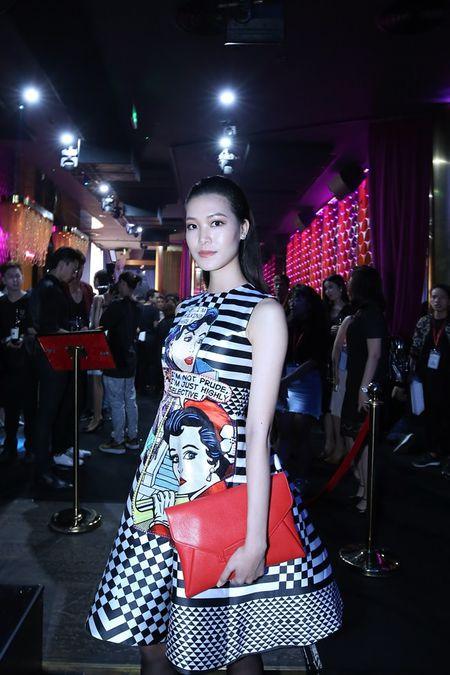 'Kate Moss' Viet hoi ngo Hoa hau cao nhat Viet Nam tai su kien - Anh 4