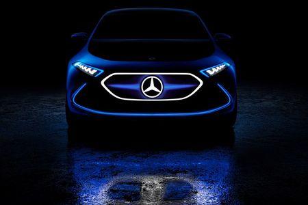 Mercedes-Benz ra mat xe dien EQA voi thiet ke tuong lai - Anh 9