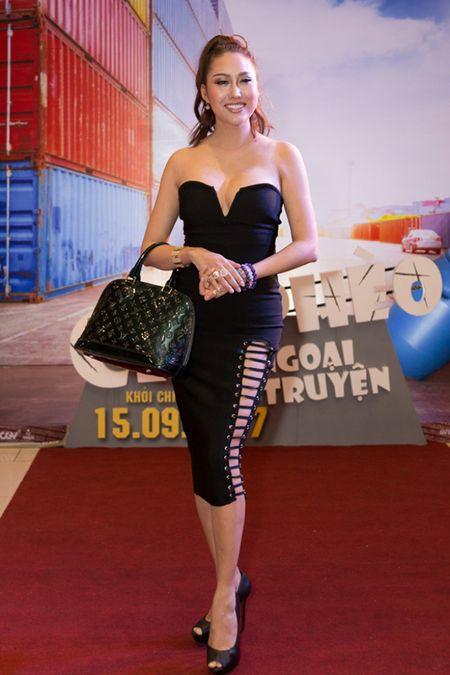 Phi Thanh Van ho bao pho dien tron vong 1 cung vong 3 'hon met' sau gan 3 thang phau thuat tham my - Anh 4