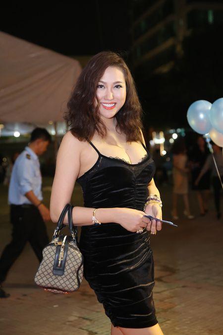 Phi Thanh Van ho bao pho dien tron vong 1 cung vong 3 'hon met' sau gan 3 thang phau thuat tham my - Anh 8