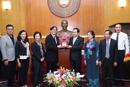 Thai Lan trao tien ung ho cac tinh mien nui phia Bac khac phuc hau qua mua lu - Anh 3