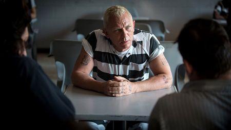 'Lucky Logan' se cuu vot su nham chan trong cac vai dien cua Daniel Craig? - Anh 1