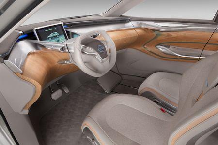 Nissan du kien 'trinh lang' chiec xe dien SUV vao thang 10 - Anh 3