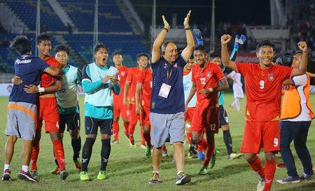 HLV U18 Myanmar noi gi khi bat ngo thang U18 Viet Nam? - Anh 1