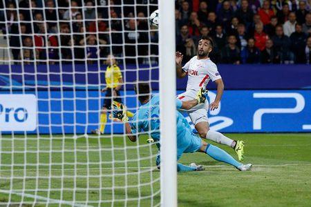 San nha cua Maribor ngap trong 'khoi lua' o Champions League - Anh 6