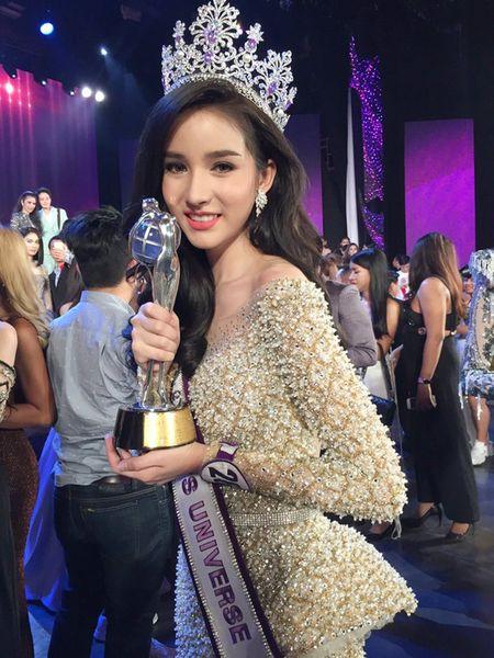 Dang quang duoc gan 1 thang, Hoa hau Chuyen gioi Thai Lan khong co viec de lam - Anh 3
