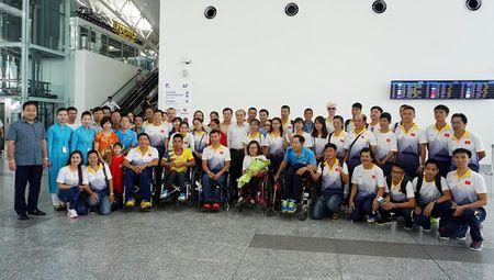 Doan the thao nguoi khuyet tat Viet Nam cap ben Malaysia - Anh 1