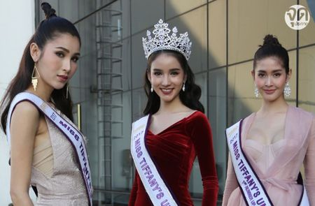 Hoa hau chuyen gioi xinh dep cua Thai Lan bi ghe lanh - Anh 1