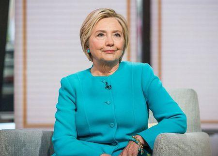 Cong bo them cac buc thu dien tu cua ba Hillary Clinton - Anh 1
