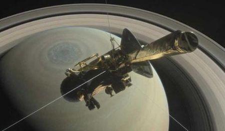 Tau vu tru Cassini nhan lenh lao vao Sao Tho tu sat - Anh 2