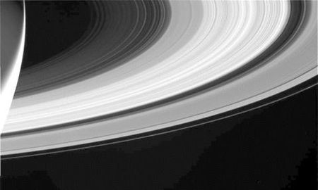 Tau vu tru Cassini nhan lenh lao vao Sao Tho tu sat - Anh 7