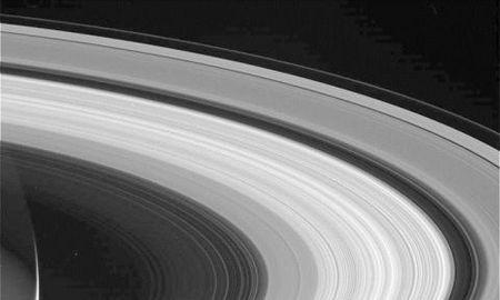Tau vu tru Cassini nhan lenh lao vao Sao Tho tu sat - Anh 8