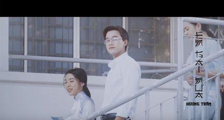 Thay giao dien trai, lang tu trong MV Em gai mua cua Huong Tram la ai? - Anh 3