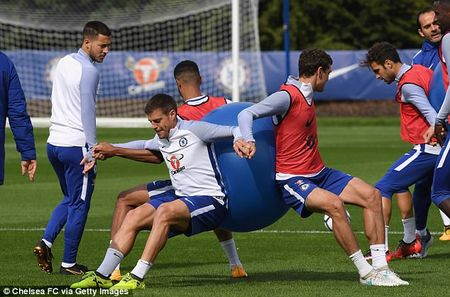 Chelsea chuan bi dai chien Arsenal bang bai tap sieu di - Anh 10