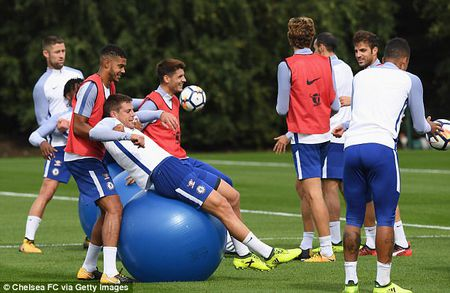 Chelsea chuan bi dai chien Arsenal bang bai tap sieu di - Anh 5