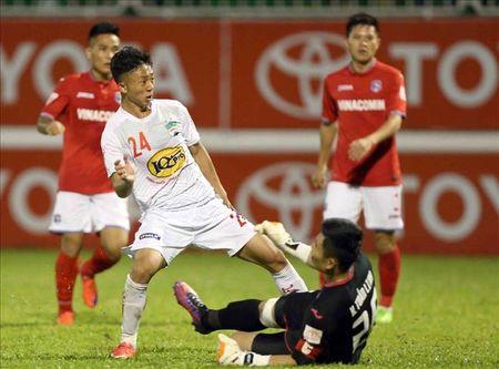 Truoc vong 18 V.League 2017: Danh chiem ngoi dau? - Anh 2
