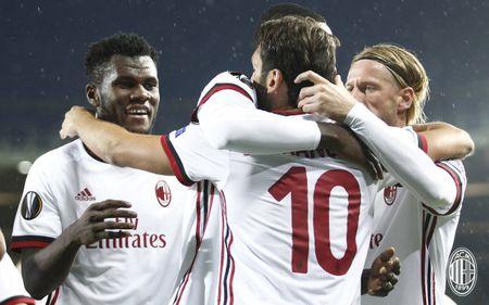 Austria Wien 1-5 AC Milan: Lan dau my man - Anh 3