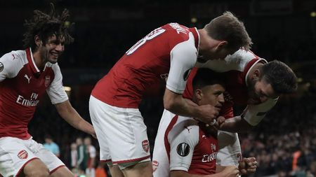 Arsenal manh nhat Europa League - Anh 1