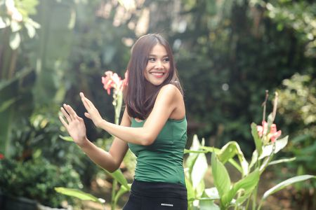 'Me chong' chua ra mat, Thanh Hang da ham ho bat tay vao du an moi - Anh 2