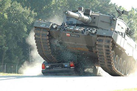 T-90 Viet Nam nam top 7 xe tang hien dai nhat the gioi - Anh 5