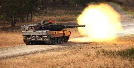 T-90 Viet Nam nam top 7 xe tang hien dai nhat the gioi - Anh 6