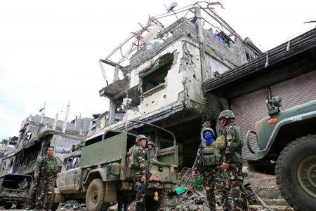 Chum anh canh tuong do nat trong thanh pho Marawi - Anh 10
