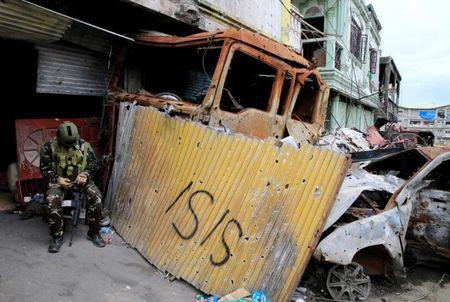 Chum anh canh tuong do nat trong thanh pho Marawi - Anh 1