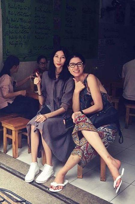 Hot Face sao Viet 24h: Bat ngo qua sinh nhat Hoai Linh tang me - Anh 2