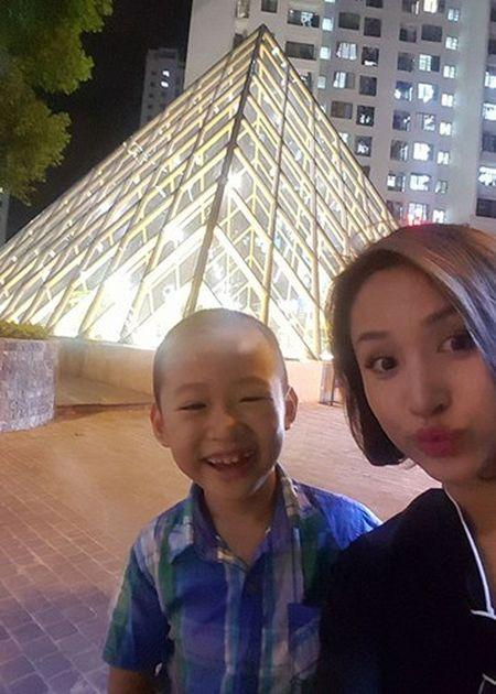 Hot Face sao Viet 24h: Bat ngo qua sinh nhat Hoai Linh tang me - Anh 6