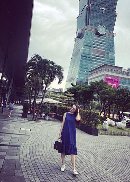 Hot Face sao Viet 24h: Bat ngo qua sinh nhat Hoai Linh tang me - Anh 8