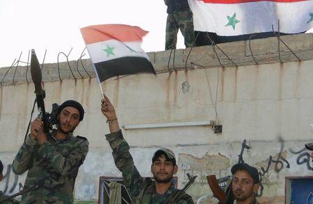 Quan Syria giai phong nhieu khu vuc o mien trung Syria - Anh 5