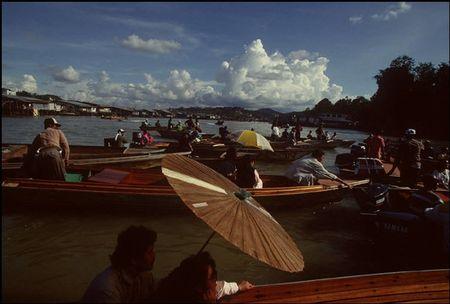 Cuoc song o Brunei nam 1992 qua ong kinh nguoi Nga (1) - Anh 5