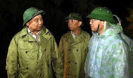 Thu tuong Nguyen Xuan Phuc: Khong de nguoi dan vao canh man troi chieu dat - Anh 1