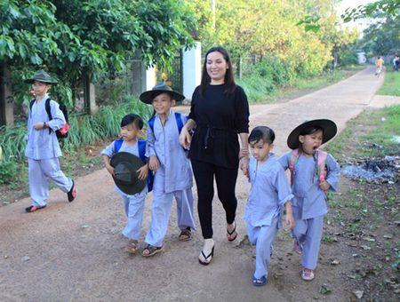 Ca si Phi Nhung: Khong the lay chong vi qua dong con - Anh 1