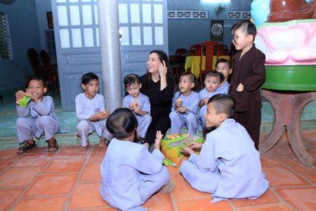 Ca si Phi Nhung: Khong the lay chong vi qua dong con - Anh 3