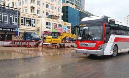 Vi sao tinh Quang Ninh cam mo nhac sau 10h dem tai khu du lich Bai Chay? - Anh 2