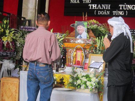 "Nha tho Thanh Tung cua ""Thoi hoa do"": Roi nuoc mat thay loi tu biet truoc khi mat - Anh 3"