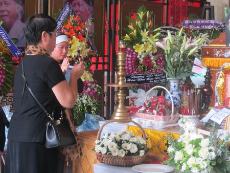 "Nha tho Thanh Tung cua ""Thoi hoa do"": Roi nuoc mat thay loi tu biet truoc khi mat - Anh 5"