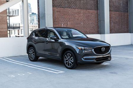 Mazda CX-8 danh rieng thi truong Nhat Ban, chot gia 660 trieu dong - Anh 2