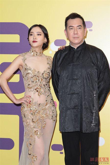Qua ho hang, my nu 'Diep Van' bi duoi khoi song truyen hinh - Anh 3