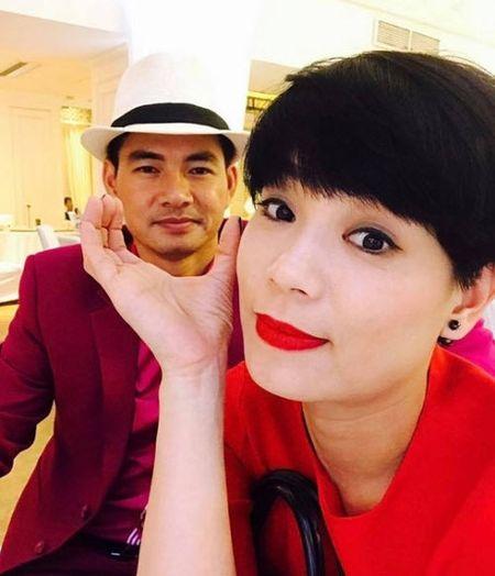 Nhan sac thay doi cua vo Xuan Bac sau 11 nam ket hon - Anh 3