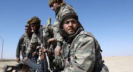 Tinh hinh Syria moi nhat ngay 15/9: My thuong xuyen gui vu khi hang nang cho SDF - Anh 1