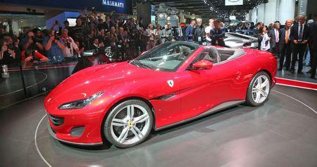 Can canh sieu xe mui tran Ferrari Portofino vua ra mat - Anh 3