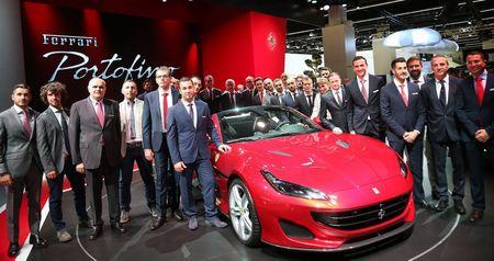 Can canh sieu xe mui tran Ferrari Portofino vua ra mat - Anh 4