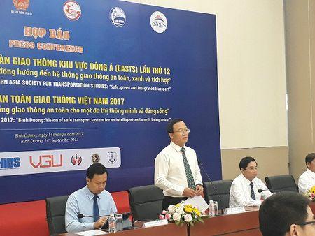 Nha khoa hoc ban cach giai quyet cac van de giao thong noi com tai Viet Nam - Anh 1