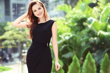 Hoa hau Diem Huong: 'Hau het nguoi dep Vbiz deu chinh sua nhan sac' - Anh 2