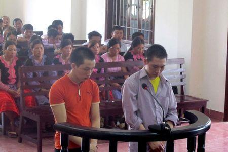 'Kich ban' cua 2 doi tuong van chuyen trai phep 30 banh heroin - Anh 1