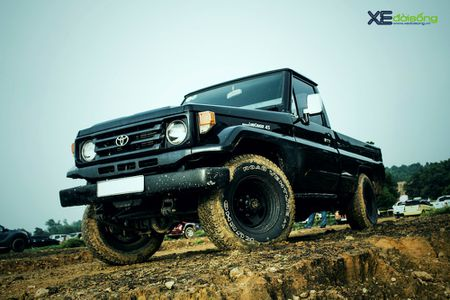 Can canh Toyota Land Cruiser J70 ban tai 'hang thua' tai Ha Noi - Anh 1