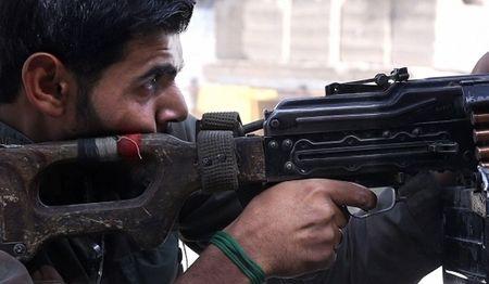 Dung do khoc liet voi IS, quan doi Syria thang lon o Deir Ezzur - Anh 1